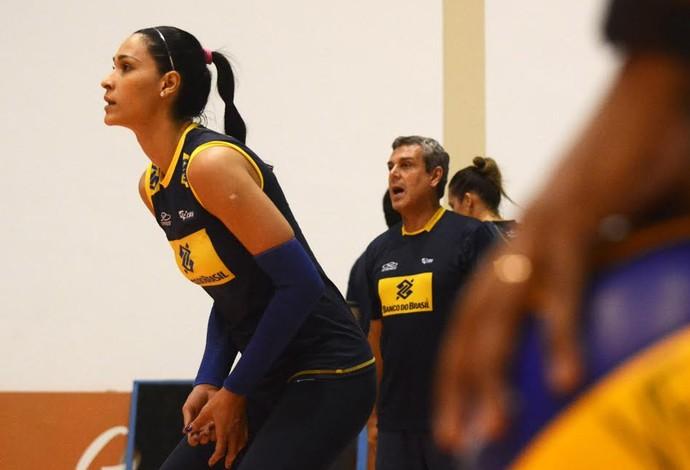 Jaqueline, seleção brasileira de vôlei, Saquarema (Foto: Alexandre Arruda/CBV)