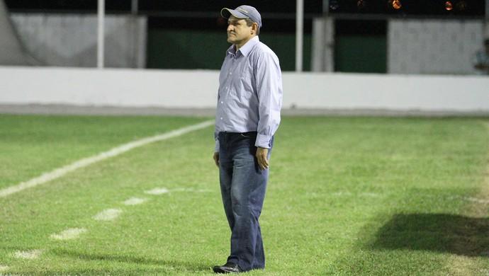 Carlos Gutemberg, técnico do Currais Novos (Foto: Gabriel Peres/Divulgação)