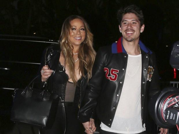 X17 - Mariah Carey com o namorado, Bryan Tanaka, em Los Angeles, nos Estados Unidos (Foto: X17online/ Agência)