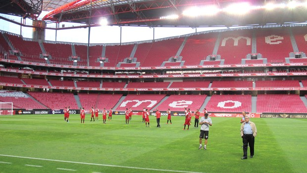 Treino do São Paulo no estádio da Luz (Foto: Carlos Augusto Ferrari)