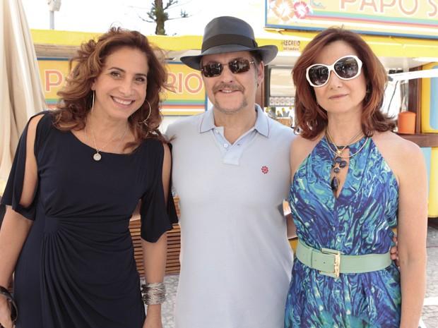 Totia Meirelles, Antonio Calloni e Zezé Polessa na gravação (Foto: Salve Jorge/TV Globo)
