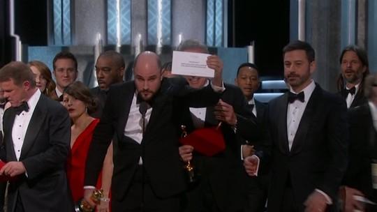 Empresa responsável por envelopes do Oscar pede desculpas por erro