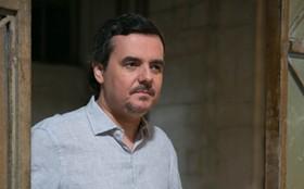 Na pele de personagem misterioso, Cássio Gabus Mendes admite: 'Estou curioso'