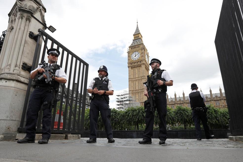 Segurança no Parlamento em Londres é reforçada após incidente envolvendo homem armado com faca (Foto: REUTERS/Peter Nicholls)