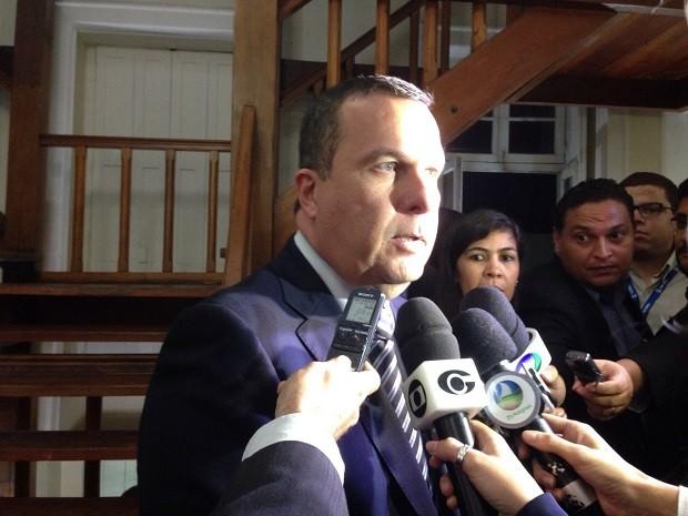 O presidente da CCJ, deputado Sergio Toledo (PDT), informou que a comissão votou pelo voto fechado (Foto: Roberta Cólen/G1)