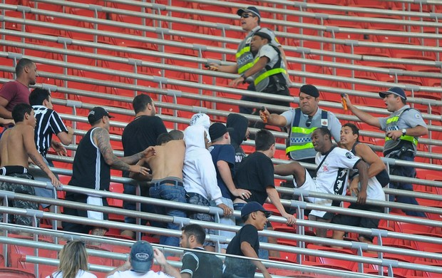Briga Corinthians x Vasco (Foto: Andressa Anholete / Agência Estado)