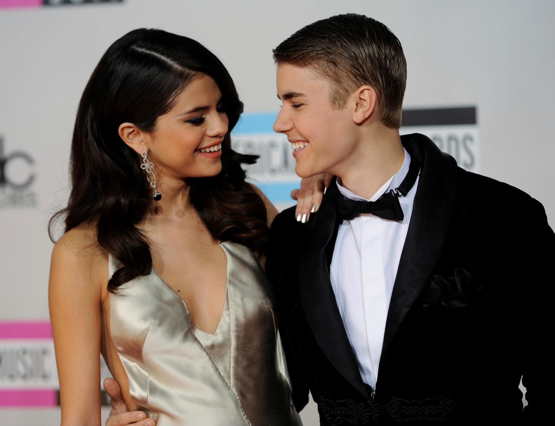 Selena Gomez e Justin Bieber formam o casal mais curtido da histria do Instagram (Foto: Chris Pizzello/Invision/AP)
