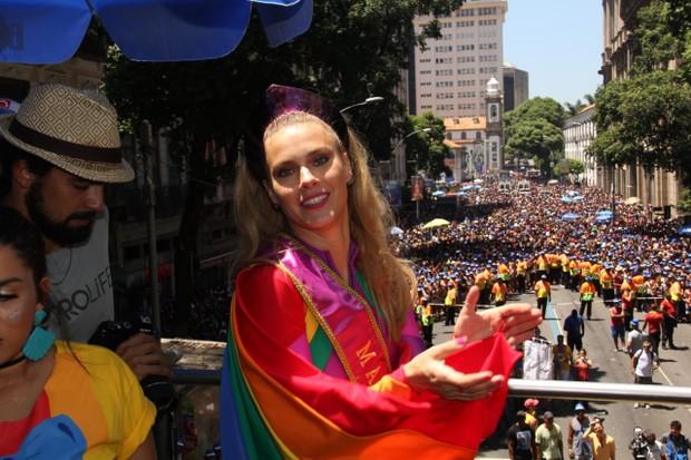 Carolina Dieckmann no bloco (Foto: AgNews  / AgNews)