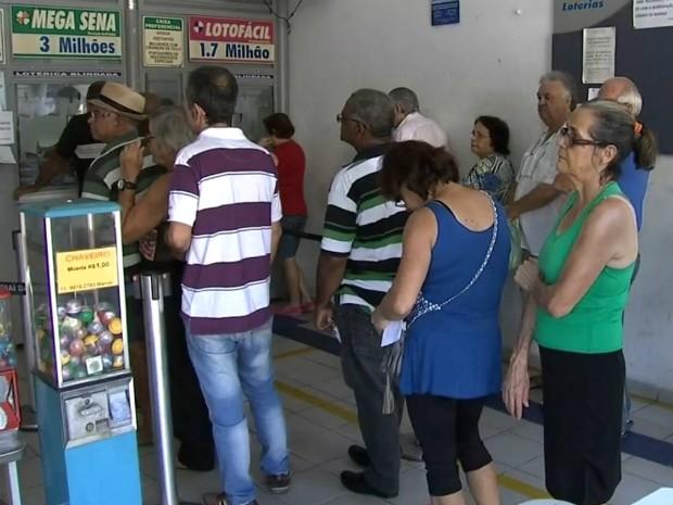 Aposta em lotérica de Jundiaí levou Mega-Sena (Foto: Reprodução / TV TEM)