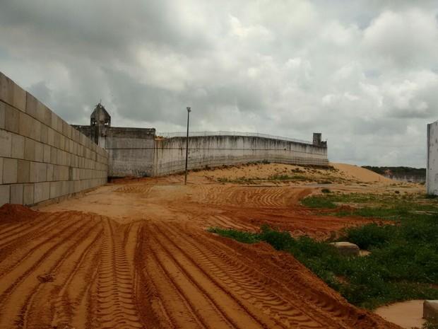 Muro também tem 6,40 metros de altura e 80 centímetros de largura. (Foto: Divulgação)