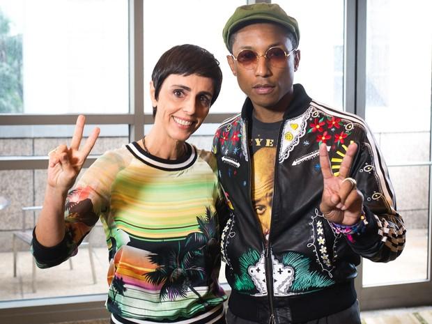 Lilian Pacce entrevista Pharrell antes de o cantor partir para o festival Lollapalooza (Foto: Divulgao/GNT Fashion)