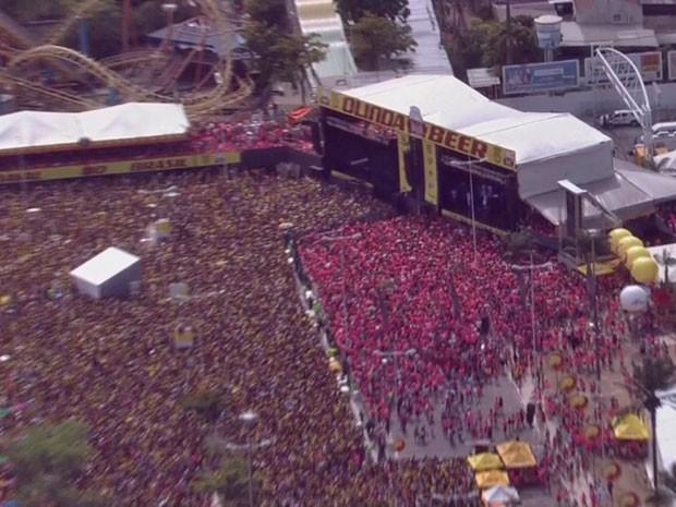 Olinda Beer reúne milhares de pessoas no Centro de Convenções (Foto: Reprodução/TV Globo)