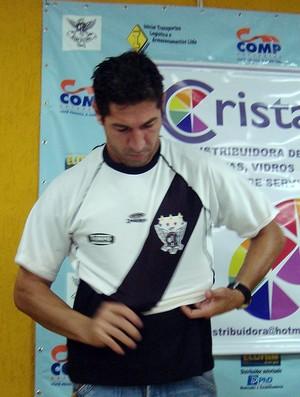 Sérgio, ex-Palmeiras, é apresentado pelo Barcelona, clube amador de Sorocaba (Foto: Benjamim Pesce/GLOBOESPORTE.COM)
