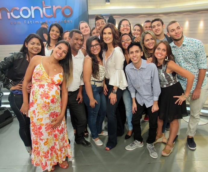 Após o Encontro', Fátima tira foto com a plateia (Foto: Priscilla Massena/Gshow)