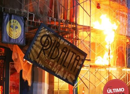 Último capítulo: Incêndio na fábrica deixa a galera desesperada