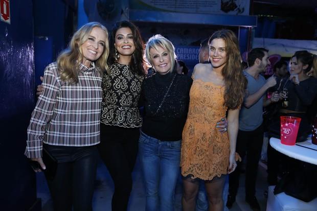 Angélica, Juliana Paes, Ana Maria Braga e Carolina Dieckmann em festa no Rio (Foto: Felipe Panfili/ Ag. News)