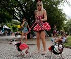 Bichos de estimação no carnaval 2015 (Sergio Moraes/Reuters)
