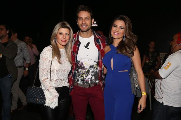 Íris Stefanelli, Eliéser e Kamilla durante festa (Foto: Manuela Scarpa/Photo Rio News)