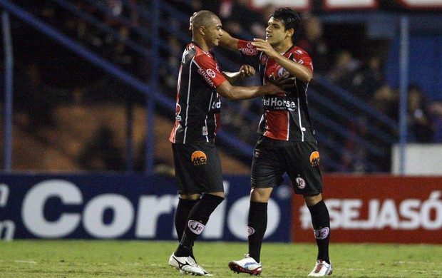 Ronaldo gol Joinville (Foto: Cristiano Andujar / Ag. Estado)