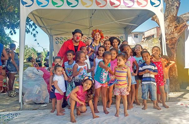 Palhaços voluntários divertiram os participantes com várias atividades interativas (Foto: Divulgação / TV Rio Sul)