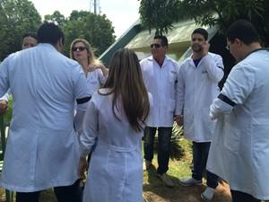 Médicos residentes manifestaram em frente à Sesa, em Macapá (Foto: João da Silva / Arquivo Pessoal)