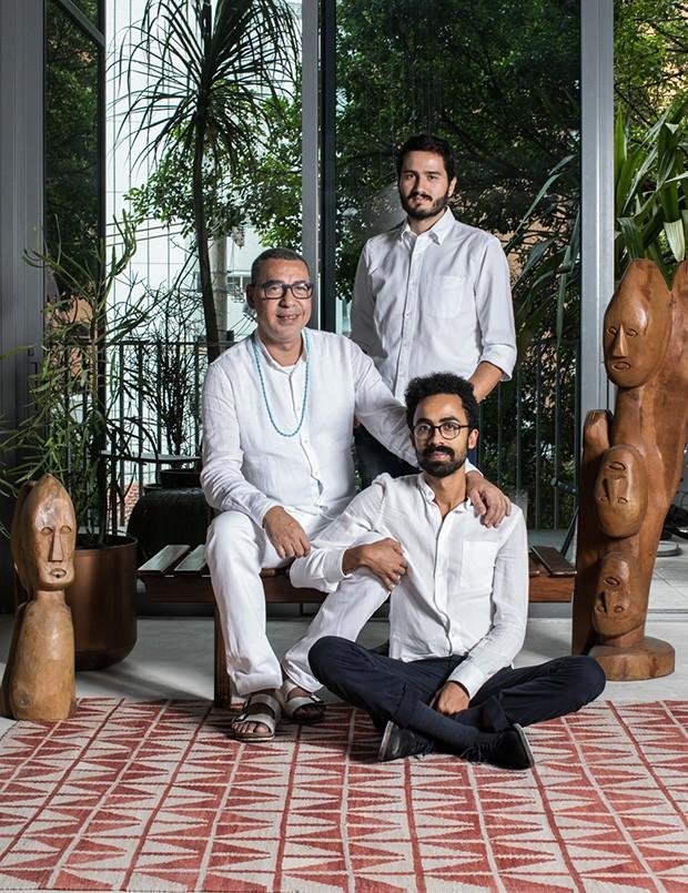 Ayrson Heraclito, Ivan Grillo e Jaime Lauriano (Foto: Deco Cury)