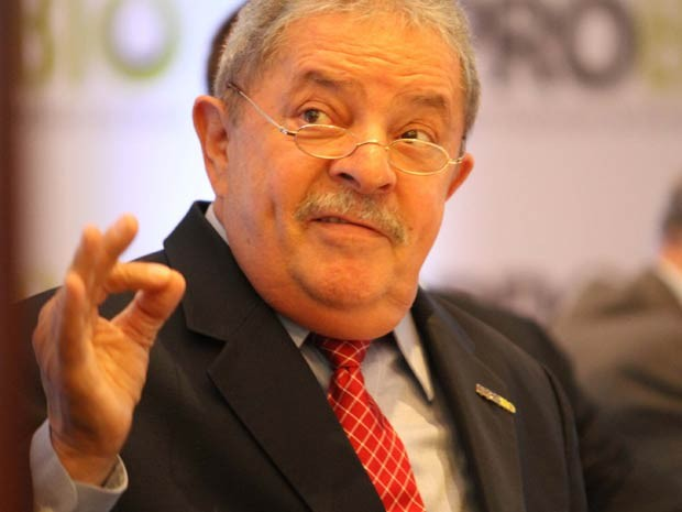  O ex-presidente do Brasil, Luiz In&#225;cio Lula da Silva durante evento em sua homenagem, realizado pela Ubrabio (Uni&#227;o Brasileira de Biodisel e Bioquerosene) e a Aprobio (Associa&#231;&#227;o de Produtores de Biodiesel do Brasil), no Mercure Grand Hotel, em S&#227;o Paulo (SP), nesta quinta-feira (02). O evento tamb&#233;m celebra os cinco anos da Ubrabio, destacando a iniciativa do governo Lula de lan&#231;ar o Programa Nacional de Produ&#231;&#227;o e Uso de Biodiesel (PNPB), em 2004, que impulsionou o crescimento no setor.  (Foto: Leandro Martins/Futura Press/AE)