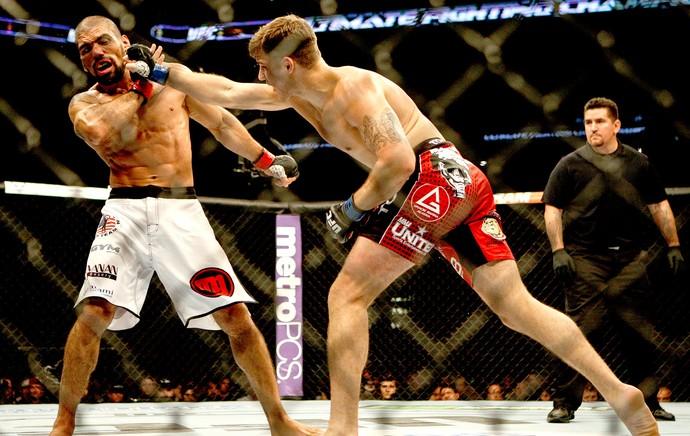 Marcelo Guimarães na luta contra Andy Enz UFC San Antonio (Foto: Reuters)
