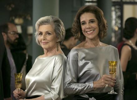 Sabine e Lígia dão vexame em festa