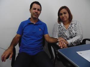 Pais de Debora de Souza disseram que filha e jovens estão precisando de dinheiro (Foto: Wilkson Tarres/G1)