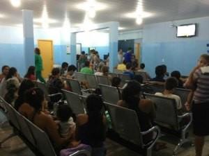 Centenas de pessoas são atendidas diariamente nas UPAS.  (Foto: Ivanete Damasceno/G1)