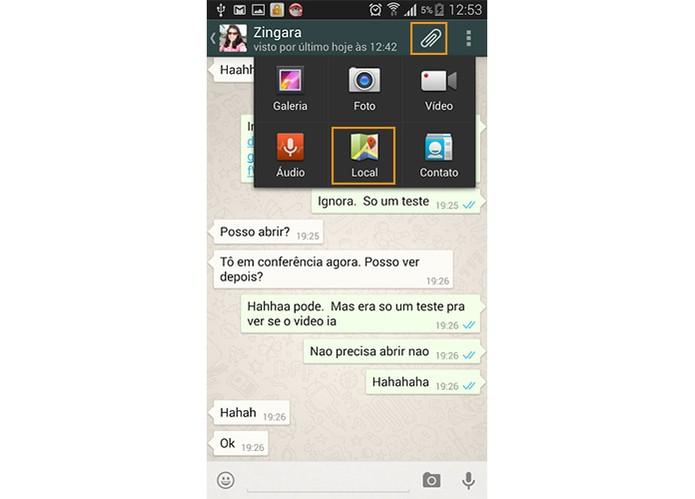 Selecione Local na conversa com seu amigo no WhatsApp (Foto: Reprodução/Barbara Mannara)