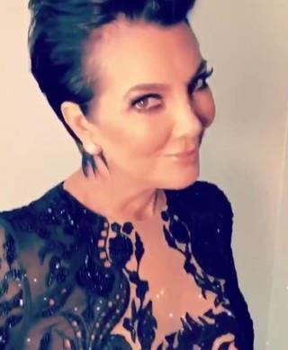 Kris Jenner pronta para o Grammy (Foto: Instagram / Reprodução)