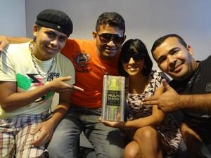 """Gang do Eletro foi premiada como """"Artista Revelação 2012"""" no prêmio Multishow. (Foto: Ingrid Bico/G1)"""