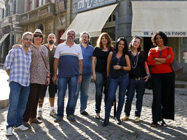 Autores e colaboradores de Lado a Lado (Foto: Lado a Lado/TV Globo)