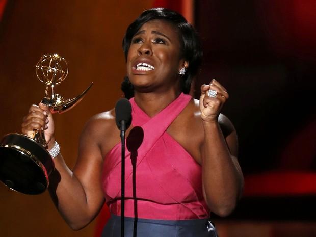 Uzo Aduba, de 'Orange is the new black', leva prêmio de melhor atriz coadjuvante em série dramática (Foto: REUTERS/Lucy Nicholson)