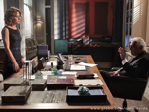 César pede ajuda de Simone para destruir Félix (Foto: Amor à Vida / TV Globo)