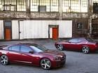 Dodge lança edição do Charger e do Challenger para festejar 100 anos