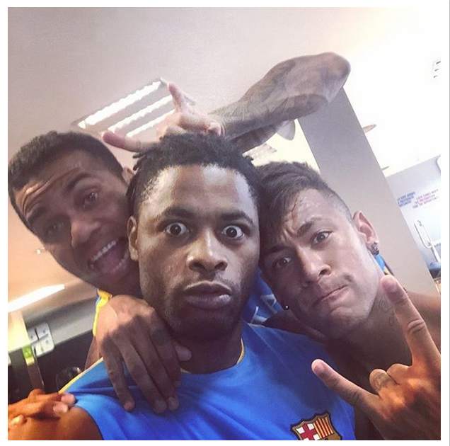 Alex Song, Daniel Alves e Neymar