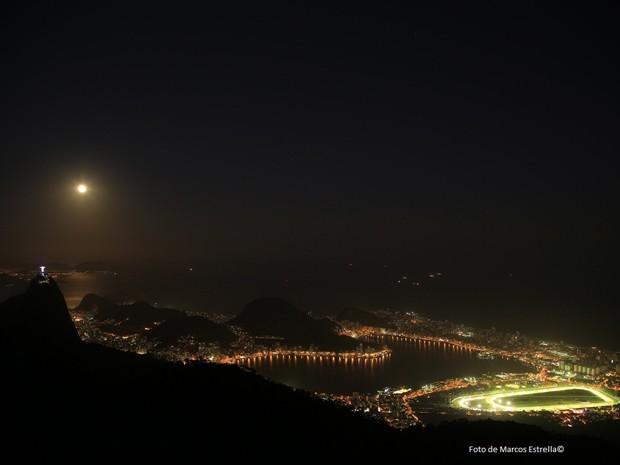 A noite do Rio com o brilho da superlua (Foto: Marcos Estrella/Globo)