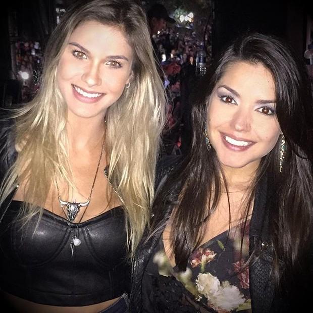 Andressa Suita e Thais Fersoza em show em Taubaté, em São Paulo (Foto: Instagram/ Reprodução)