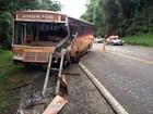 Motorista morre ao bater em ônibus que levava detentos no Oeste de SC