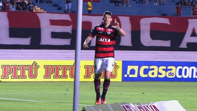 Atlético-GO x Luverdense no Serra Dourada (Foto: Reprodução/Premiere)