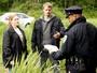 The Killing: na estreia, polícia encontra e identifica o corpo de Rosie Larsen