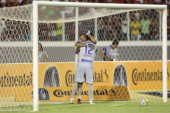 Rafael Sandes, goleiro do Confiança (Foto: JORGE HENRIQUE/FUTURA PRESS/ESTADÃO CONTEÚDO))