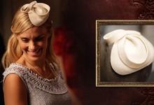Um simples e charmoso casquete em feltro combinou muito bem com a humilde Iolanda, antes de seu casamento com Ernest Hauser (Foto: Fábio Rocha/TV Globo)