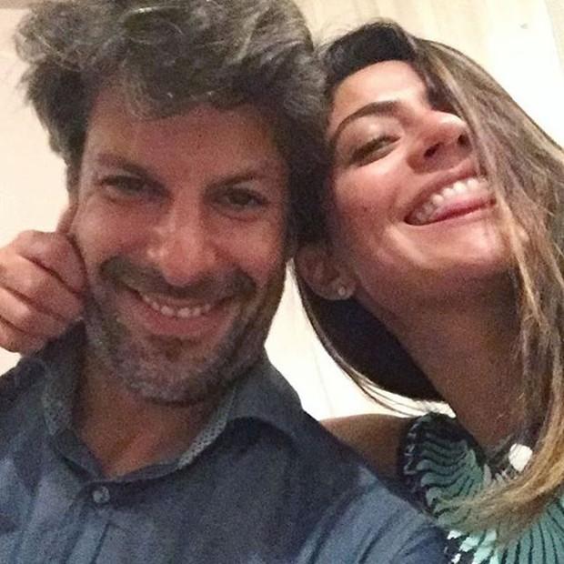 Carol Castro com o namorado, o violinista Felipe Prazeres (Foto: Instagram/Reprodução)
