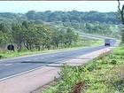 Ônibus com 40 passageiros é assaltado na BR-050, em Goiás