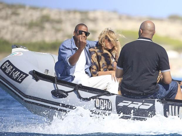 Jay-Z e Beyoncé em Formentera, na Espanha (Foto: Grosby Group/ Agência)