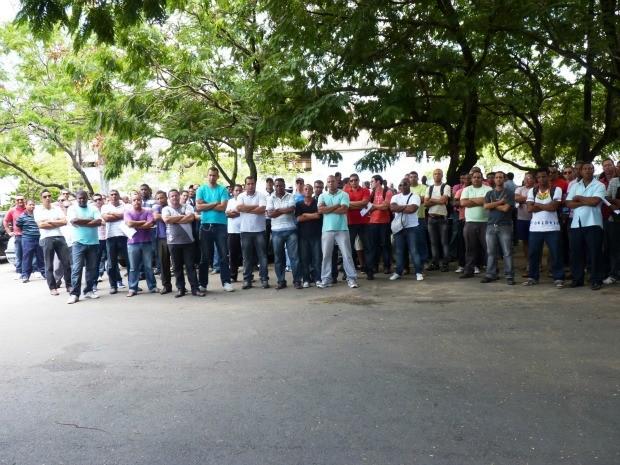 Guardas se reuniram nesta quarta, em Salvador. Eles pedem negociação em diárias do carnaval (Foto: Jeiel Soares/Divulgação)